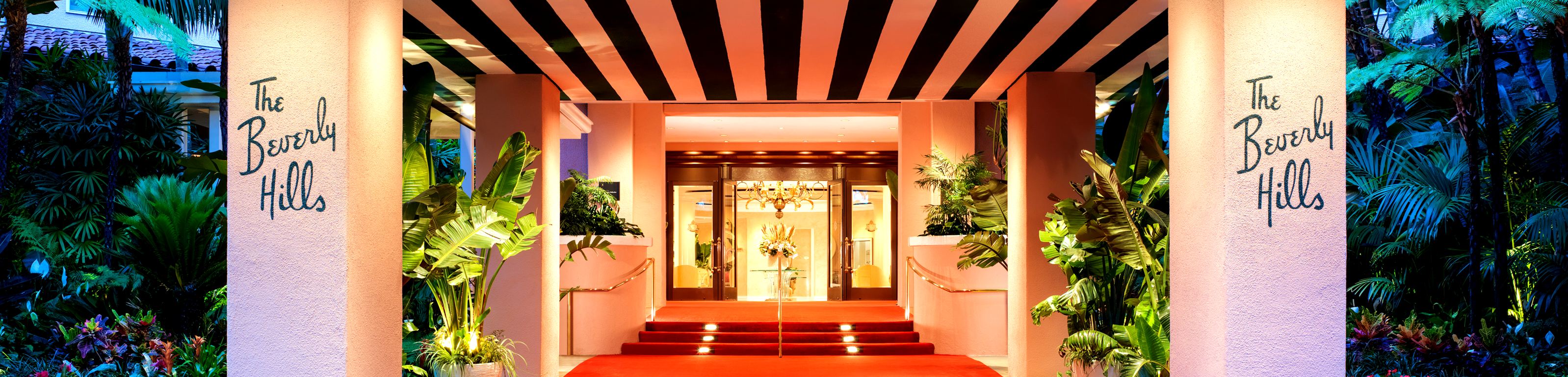 the-beverly-hills-hotel-entrance